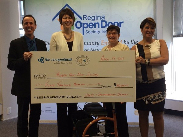 Regina Open Door Society receives donation for Syrian refugees | 620 CKRM The Source | Country Music News Sports in Sask  sc 1 st  620 CKRM & Regina Open Door Society receives donation for Syrian refugees ...