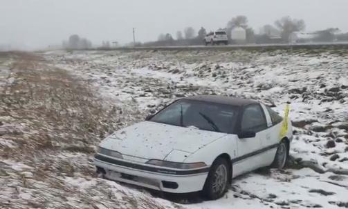 SNOW_CAR_DITCH